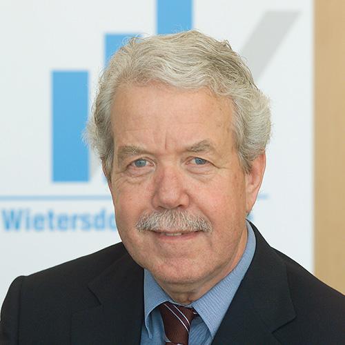 Dr. Wolf Klammerth